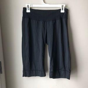 Lululemon Capri style size 8 black